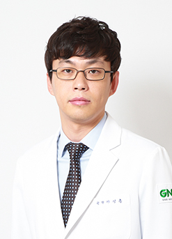 Dr. Sung-Hoon Lee <br>Specialist in Rhinoplasty (over 9 years)