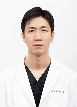 Dr. Seong-Mun Hong <br>Specialist in Rhinoplasty (over 16 years)